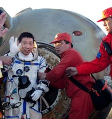 Yang Liwei after landing
